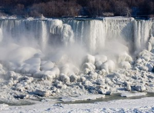 Niagara Falls partially frozen - source, GuardianLV.com