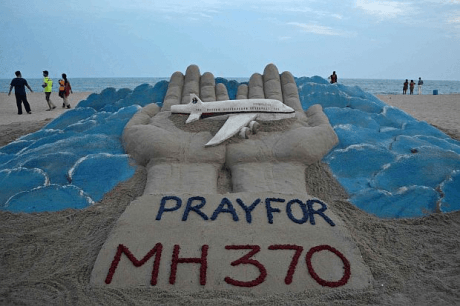 hands-pray-for-MH370
