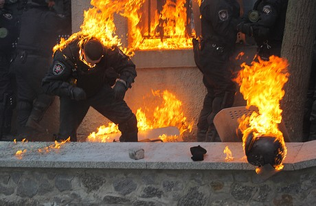 interior-police-set-on-fire-by-molotov-cocktails-jan-21-2014