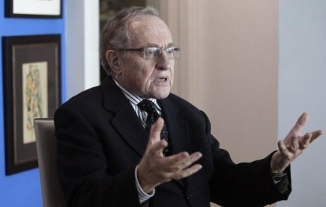 Alan Dershowitz, Jewish Supremacist, discusses underage sex charges - photo, UK Reuters